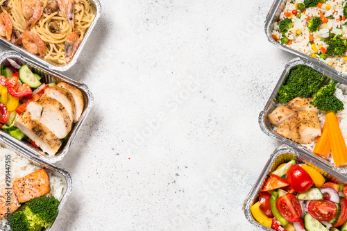 Deurstickers Kruidenierswinkel Food delivery concept - healthy lunch in boxes.