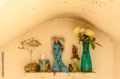 Small altar to Iemanja queen of the sea according to religions of African origin umbanda and candoble Tablou Canvas