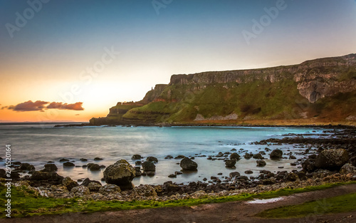 Obraz na plátně  Giants Causeway Northern Ireland beautiful morning view sunlight long exposure A