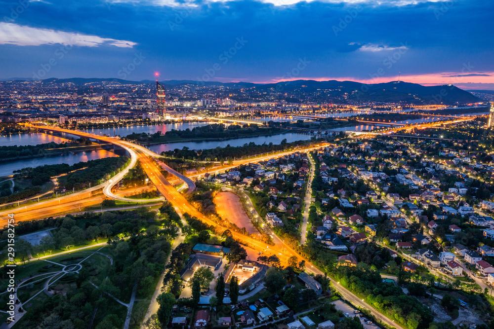 Fototapety, obrazy: Blue hour over Vienna city
