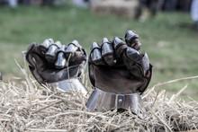 Rękawice Rycerskie