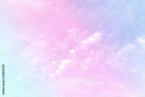 Foto auf Gartenposter Flieder Pastel gradient blurred sky, A soft cloud, background texture concept.