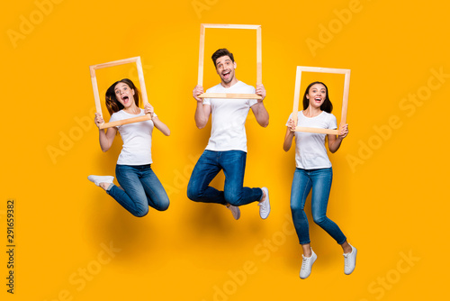 Fotografie, Obraz  Full length body size view portrait of three nice attractive lovely cheerful che