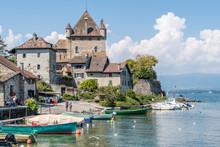 Vieux Port De La Ville D'Yvoir...