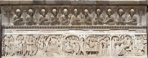 Fotografie, Tablou  Baptistery decoration architrave arches busts Jesus Christ angels saints figures