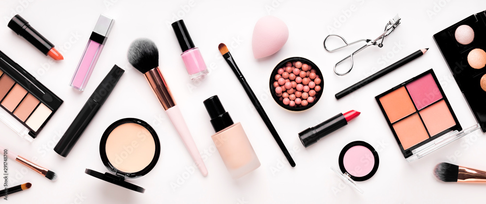 Fototapeta Set of cosmetic products for makeup with natural brushes