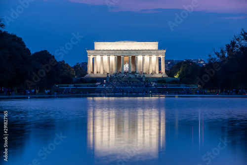 Photographie Lincoln Memorial  in Washington D.C. in the evening