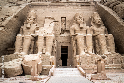Fototapeta  Front view of the Temple of Ramses II, Abu Simbel, Egypt