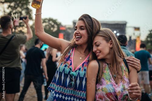 Festival fun - 291908574