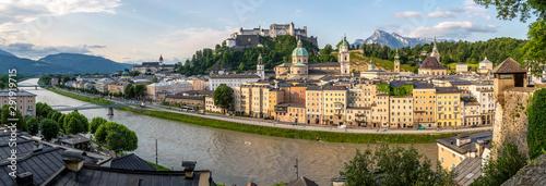 Fényképezés Morning Sun on Salzburg