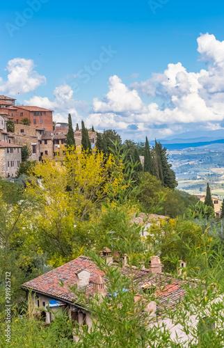 Campagne Toscane au pied de San Gimignano, Italie