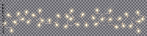 Photo Christmas and New Year garlands with glowing light bulbs
