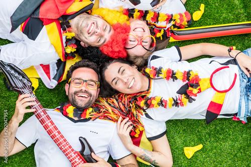Cuadros en Lienzo  Happy german soccer fans celebrate championship victory