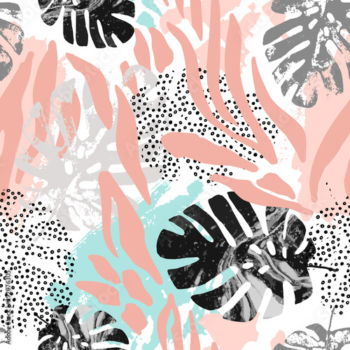 mata magnetyczna Modern seamless pattern with animal skin print and botanical tropical leaves
