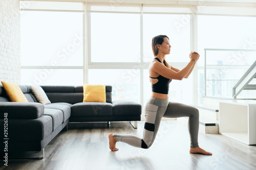 Canvas Print Adult Woman Training Legs Doing Inverted Lunges Exercise