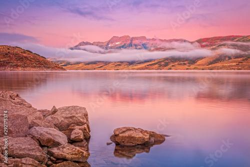 Poster Rose clair / pale Dawn light on Timpanogos, Utah, USA.