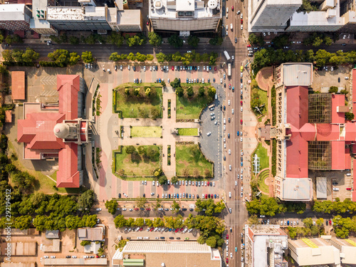 Photo Aerial view of Tshwane city hall and Museum of Natural History iin the heart of