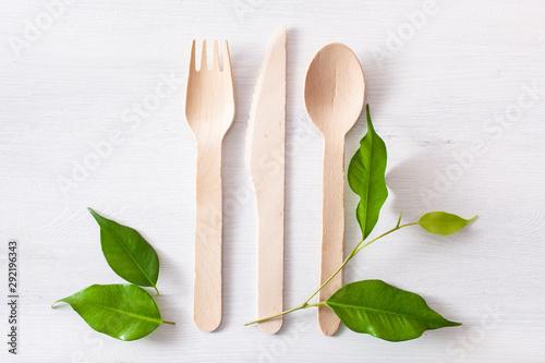 Obraz eco friendly wooden cutlery. plastic free concept - fototapety do salonu