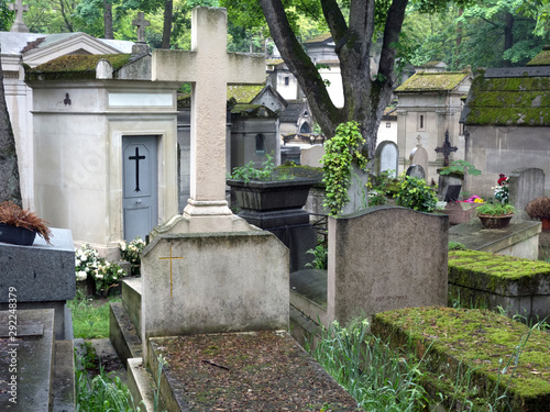 Fotografie, Tablou  Graves and tombs in Père Lachaise cemetery, Paris, France, spring, 2019