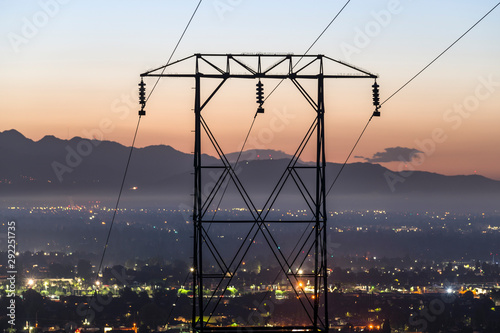 Foto auf AluDibond Himmelblau Predawn view of electric power lines entering the San Fernando Valley and Los Angeles, California. The San Gabriel Mountains are in background.