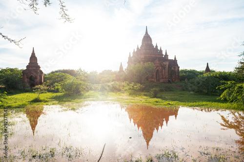 Платно views of temple ruins of bagan, myanmar