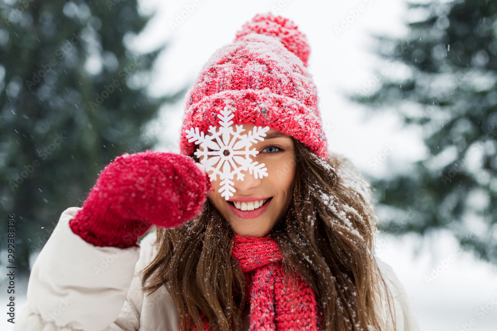 Fototapety, obrazy: people, season and christmas concept - portrait of happy smiling teenage girl or young woman with snowflake in winter park
