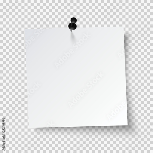 Fotografía Blank note papers, pinned with a push pin on transparent background