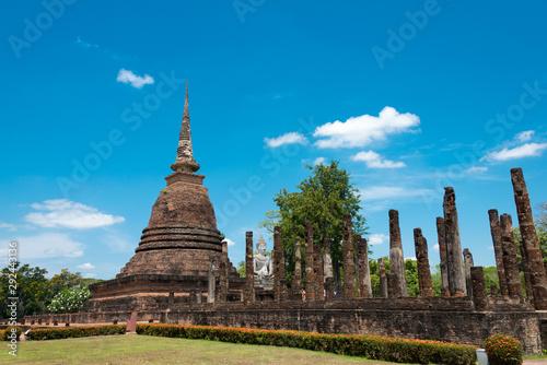 Obraz na plátně Sukhothai, Thailand - Apr 08 2018: Wat Sra Sri in Sukhothai Historical Park, Sukhothai, Thailand