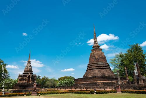 Fototapeta Sukhothai, Thailand - Apr 08 2018: Wat Sra Sri in Sukhothai Historical Park, Sukhothai, Thailand