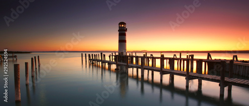 Leuchtturm am Wasser