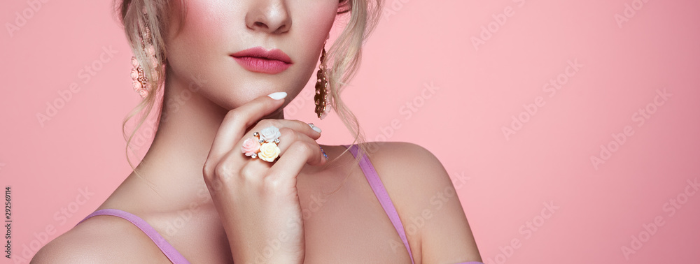 Fototapety, obrazy: Beauty Woman with perfect Makeup and Manicure. Glamour Girl with Jewelry. Pink Lips and Nails. Precious Stones and Silver. Beauty girls Face isolated on light Background. Fashion photo