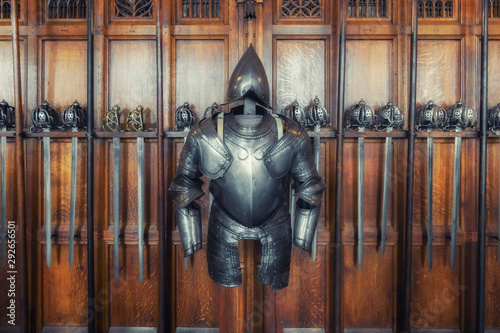 Photo sur Toile Pays d Afrique medieval armor and swords