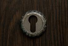 Old Round Metal Keyhole Lies O...