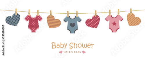Fotografía baby shower welcome greeting card for childbirth with hanging hearts and bodysui