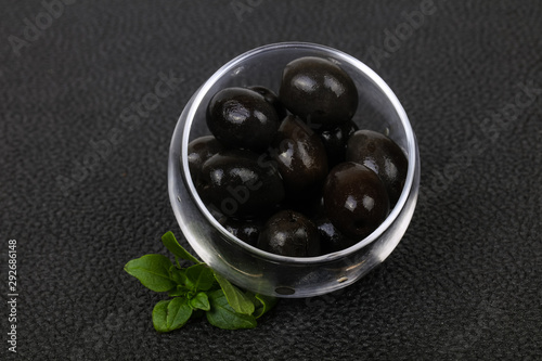 Black olives in the bowl