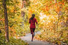 Run Woman Jogging In Outdoor F...