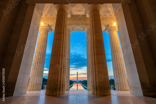 Sunrise view at Lincoln Memorial in Washington DC, USA Tableau sur Toile