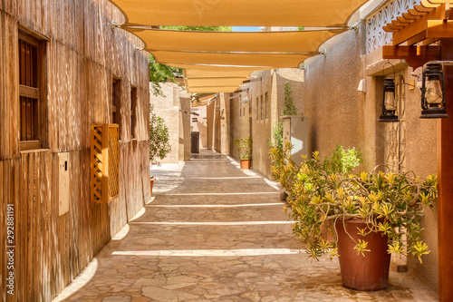 old-dubai-traditional-arabic-streets-in-historical-al-fahidi-district-al-bastakiya-dubai-united-arab-emirates