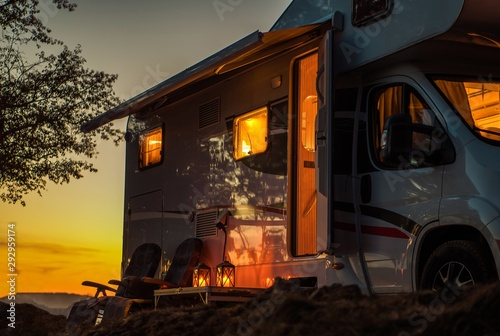 Leinwand Poster Scenic RV Camping Spot