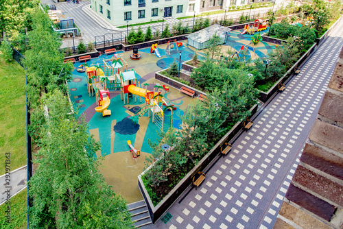 Canvas Print Modern playground in the courtyard of a residential building