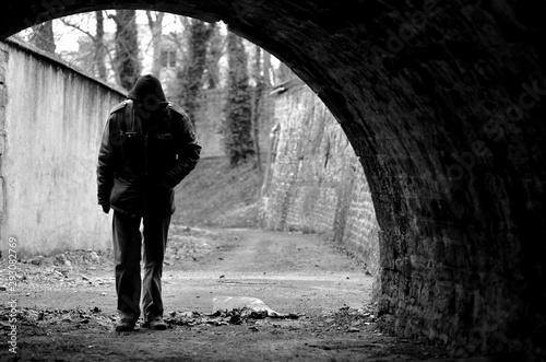 Fototapeta SDF vagabond sous un pont