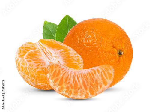 Fototapeta Mandarynki  mandarynka-mandarynka-z-owocow-cytrusowych-z-lisci-na-bialym-tle