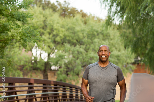 Fotografia Portrait of a fit mature African American man
