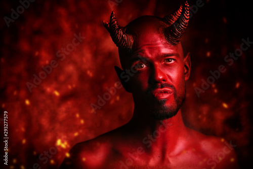 Photographie devil with embers