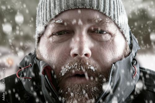 Man in snow storm close up Tapéta, Fotótapéta