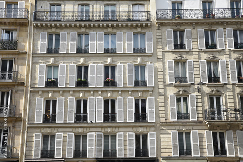 Fototapeta Immeuble haussmannien à Paris obraz na płótnie