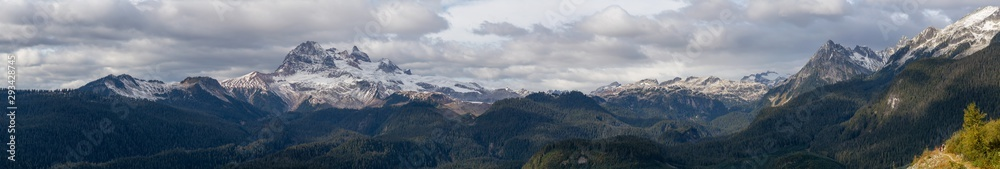 Fototapety, obrazy: Beautiful Panoramic View of Canadian Mountain Landscape during a colorful and vibrant evening in Fall Season. Taken on a trail to Watersprite Lake near Squamish, North of Vancouver, BC, Canada.