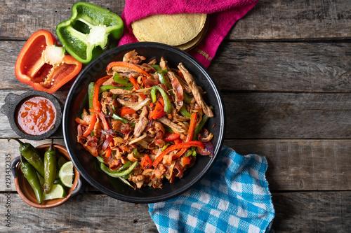 Photo Mexican beef fajitas also called alambre
