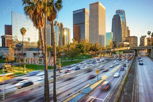 Naklejki miasto  los-angeles-city-freeway-traffic-at-sunset