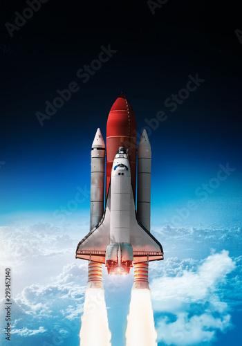 start-promu-kosmicznego-w-kosmosie